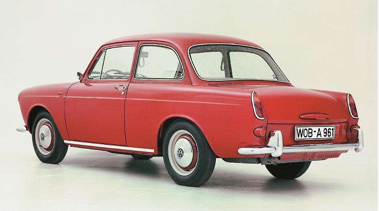 Auf der Internationalen Automobilausstellung 1961 in Frankfurt debütiert der bis dahin größte Volkswagen aller Zeiten: der Volkswagen 1500 Typ 3.