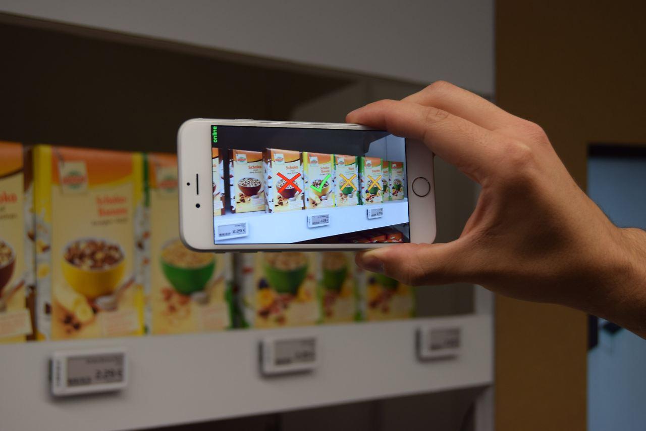 Entfernungsmessung Mit Smartphone : Smartphone im hightech supermarkt so geht einkaufen in der