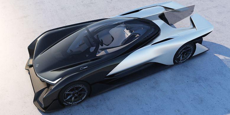 Das Jahr 2016 hat mit vielen neuen Studien Lust auf die Autozukunft gemacht. Viel Aufsehen erregte gleich zu Jahresbeginn der Zero1 von Faraday Future.