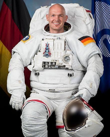 Er ist zum Popstar der Raumfahrt geworden: In den sozialen Medien hat Alexander Gerst Hunderttausende Fans. Der beliebte Esa-Astronaut war ...