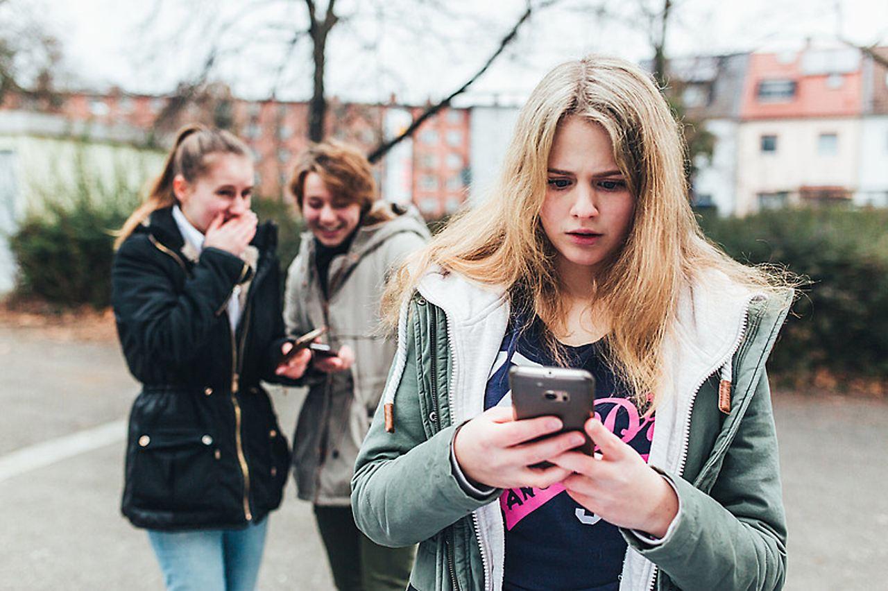 Sexting, Pöbeleien, Drohungen: Der harte Kampf gegen
