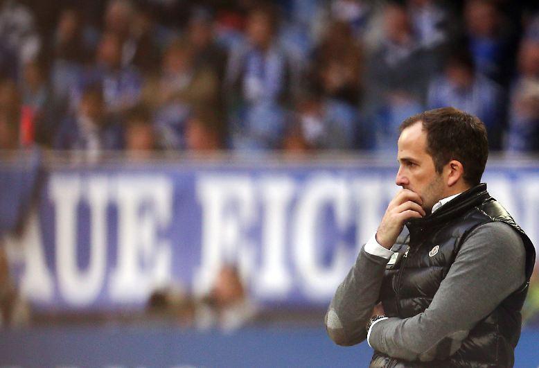 """""""Das Spiel war nach den ersten 45 Minuten verloren."""" Deprimiert: Manuel Baum, Coach des früh geschlagenen FC Augsburg."""