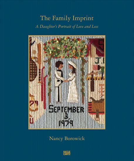 """In """"The Familiy Imprint"""" sind Borowicks Fotos in einem Bildband versammelt, der kaum einen Betrachter unberührt lässt. Das Buch ist bei Hatje Cantz erschienen und kostet 45 Euro."""