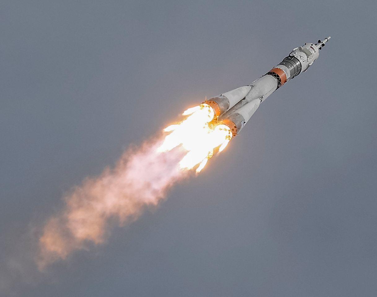 Der tag kosmonaut und astronaut starten zur iss n - Immagini stampabili a razzo ...