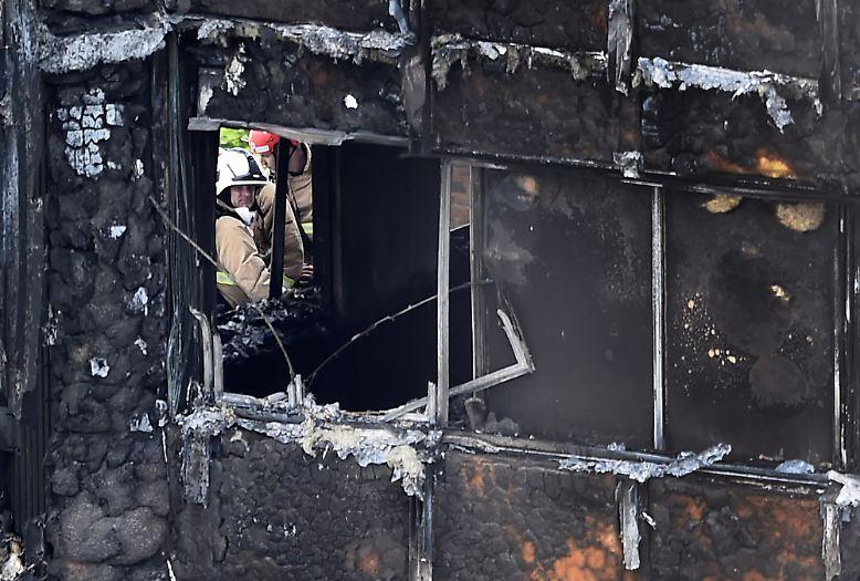 ... können sich die Feuerwehrleute und Brandexperten ein umfassenderes Bild ...