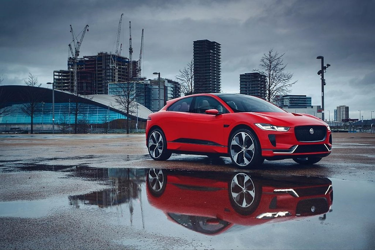 Auf Sprung zur Elektrifizierung: Jaguar erweitert Angebot um SUV - n ...