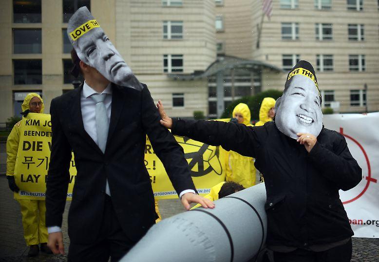 Es sind unsichere Zeiten, in denen der diesjährige Friedensnobelpreisträger verkündet wird. Mit US-Präsident Donald Trump und Nordkoreas Diktator Kim Jong Un stehen sich zwei Männer anscheinend unerbittlich gegenüber. Was sie eint, ist die nukleare Option.