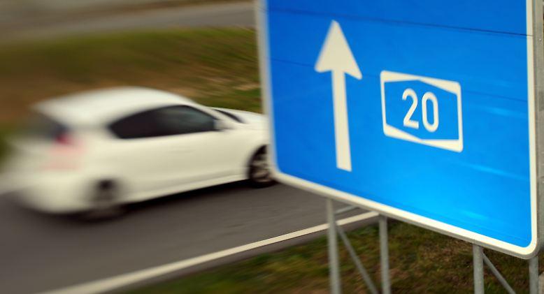 Der Sprecher des deutschen Autobahnplaners Deges, Michael Zarth, bekräftigt indes, dass die Autobahn auf dem Stand der damaligen Technik und des Regelwerks gebaut worden sei. (dsi)