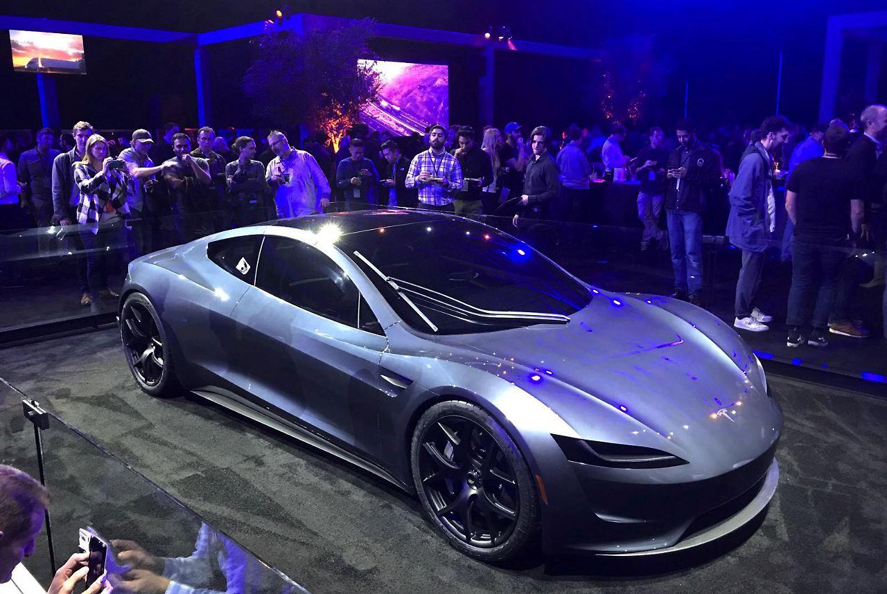DHL ordert zehn Semi Trucks von Tesla