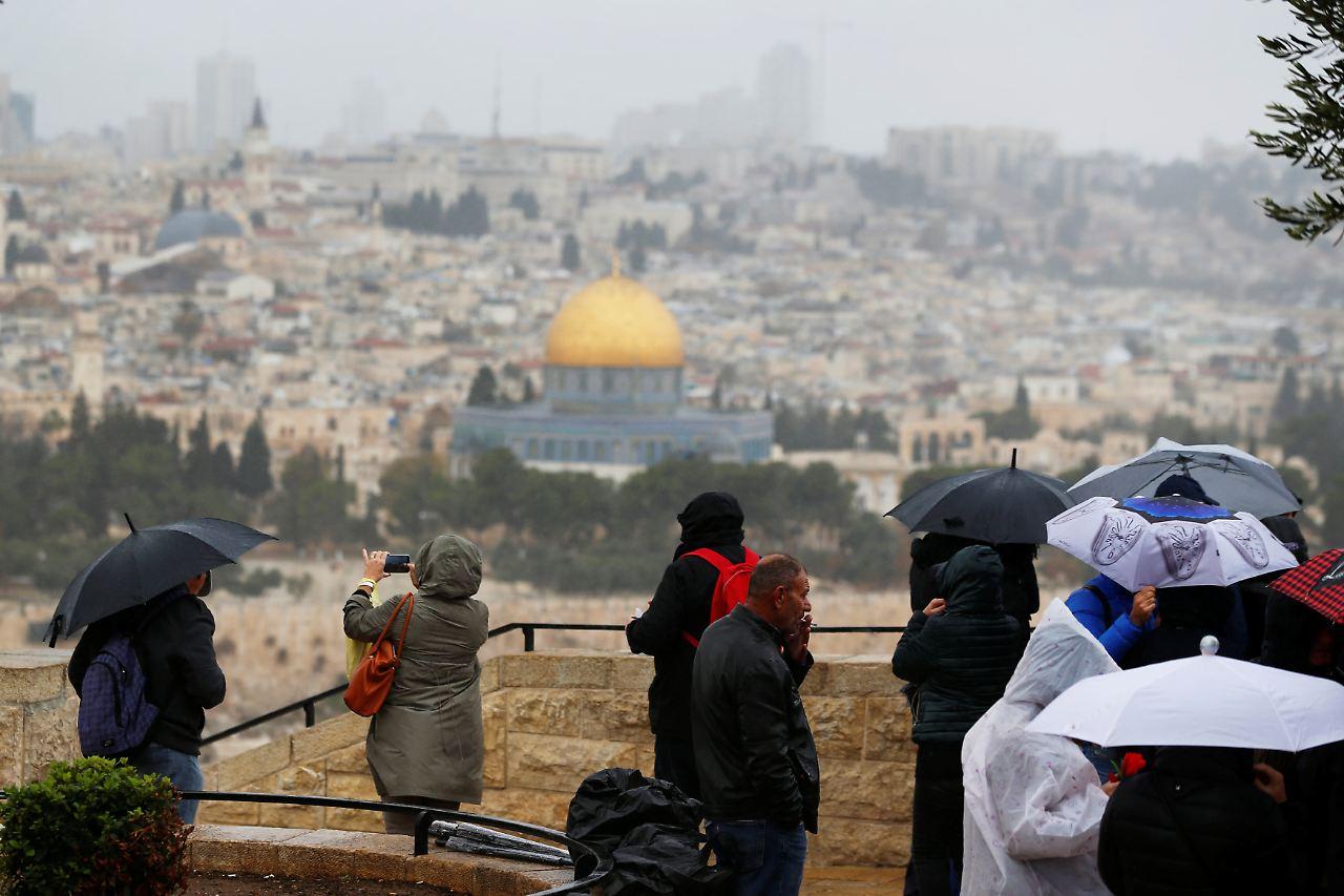 Trump löst mit Jerusalem-Entscheidung scharfe Kritik aus [0:52]