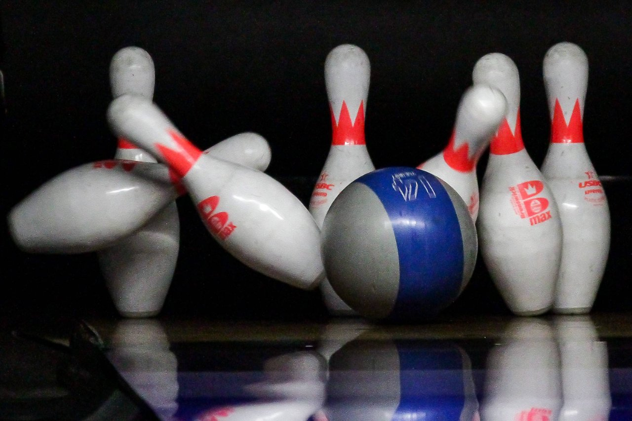 Turnier mit Folgen: Sturz beim Kollegen-Bowling - Arbeitsunfall? - n ...