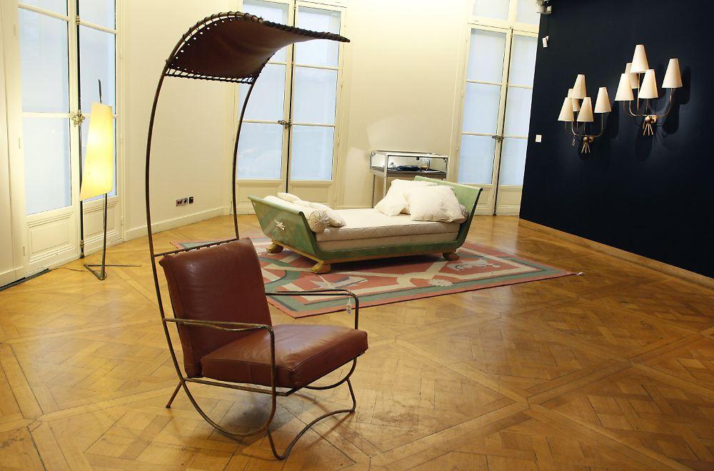 m bel f r millionen versteigert joop r umt auf n. Black Bedroom Furniture Sets. Home Design Ideas