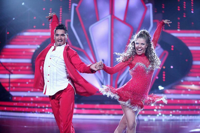 """Es ist mal wieder Tanzsaison! Ab Freitag, den 17. März, schwebt wieder deutsche Prominenz übers TV-Parkett. 14 Stars stellen sich in der RTL-Show """"Let's Dance"""" dem Urteil der Jury."""