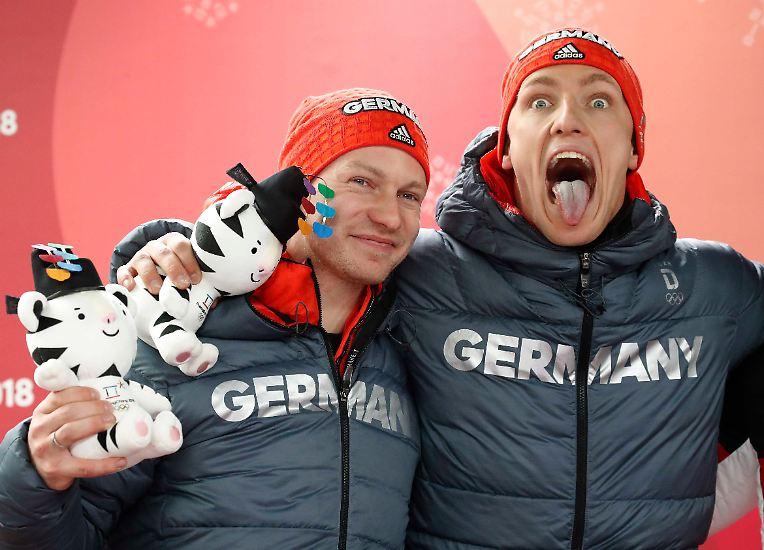 Den Sieg des zehnten Wettkampftages bei den Olympischen Winterspielen in Pyeongchang liefern Francesco Friedrich und Thorsten Margis.