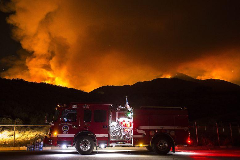 18 Waldbrände lodern derzeit im US-Bundesstaat Kalifornien. In einem Fall ...