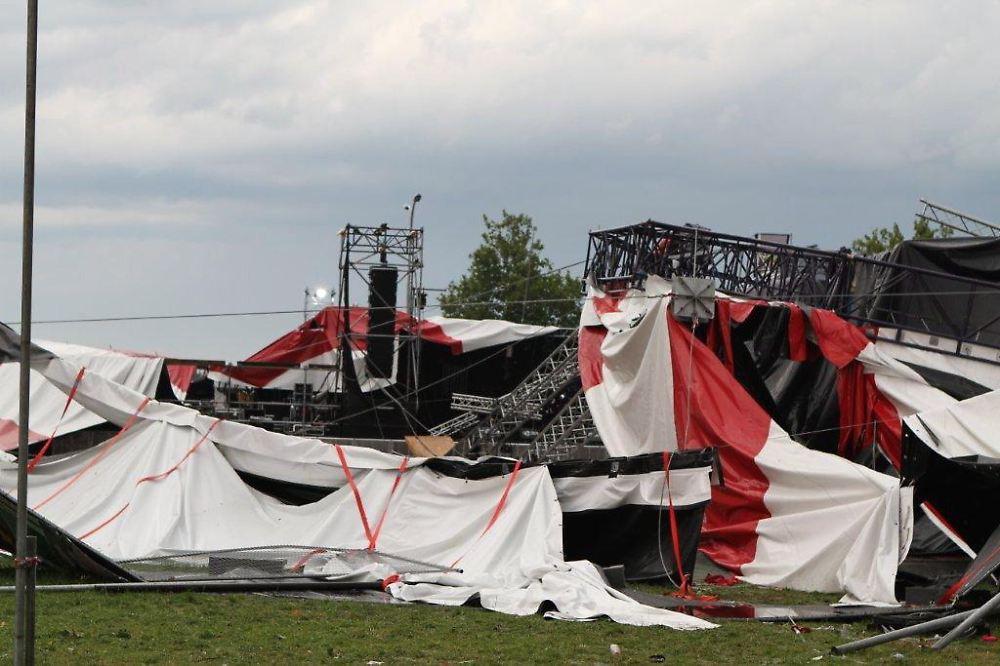 Zelt 2 Tote : Quot sturm ist hauptverantwortlich tote von pukkelpop