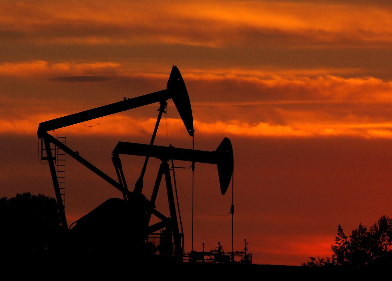 This article highlights the key differences between WTI and Brent crude oil.