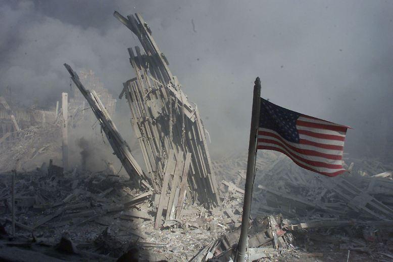 Vom World Trade Center bleibt nichts mehr als Staub und Asche. Eine neue Zeitrechnung beginnt.
