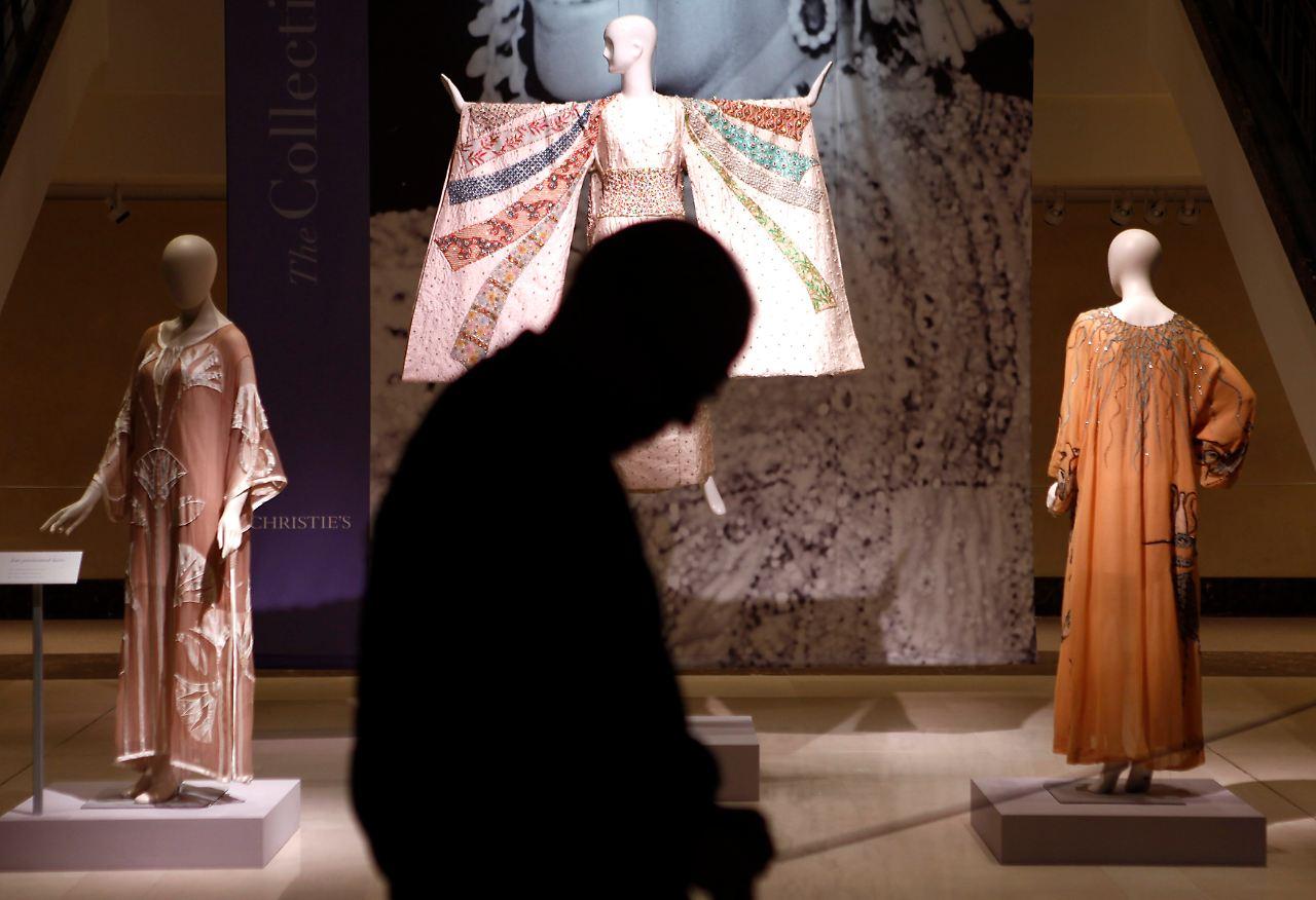 Rekordpreise bei Nachlass-Auktion: Auch Taylors Kleider sind begehrt ...