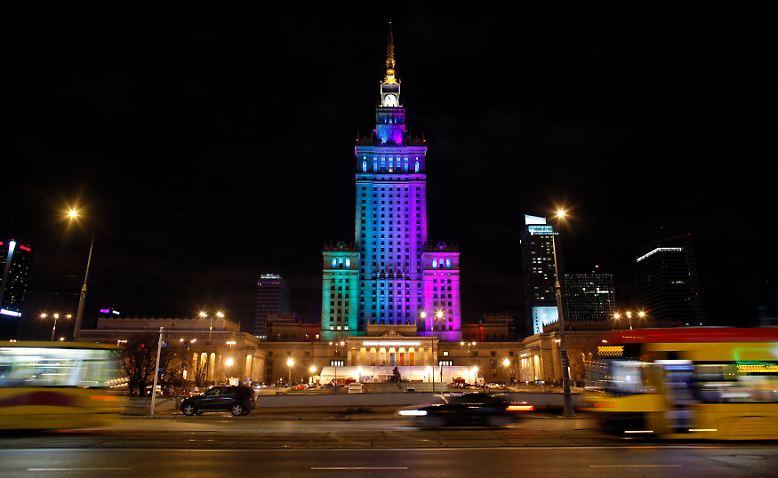 In Polen gilt die EM-Stadt Warschau längst als Partyzentrum. Nach Feierabend ...