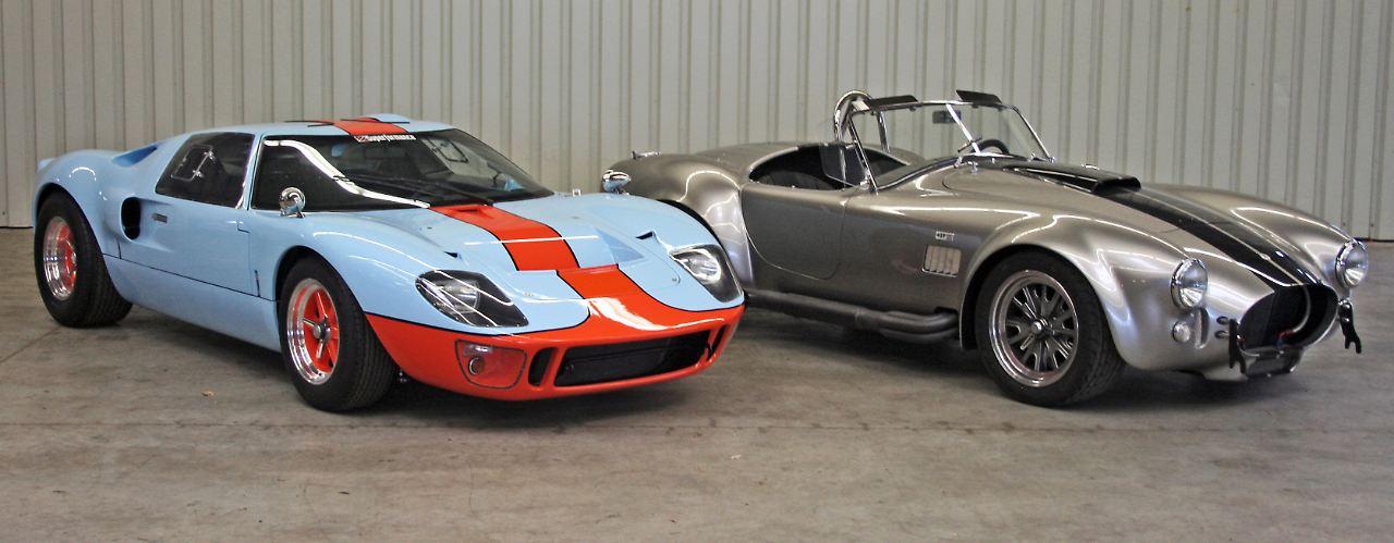 Nachbau Einer Auto Legende Ac Cobra Von Superformance Daneben Eine Weitere Legende