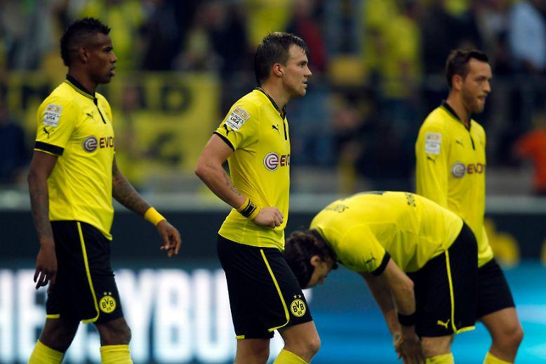 """Zwölf Punkte Rückstand des amtierenden Meisters auf den Tabellenführer. Für Borussia Dortmund wird die Titelverteidigung langsam, aber sicher zur """"Mission impossible""""."""