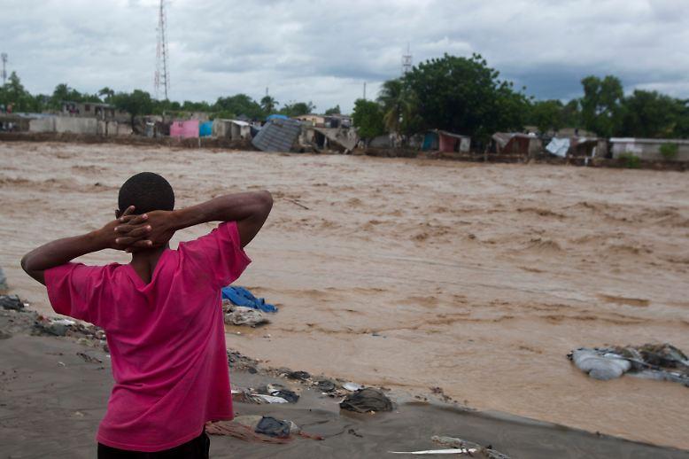 Mindestens 57 Tote markieren seinen Weg durch die Karibik - nun richtet sich seine Zerstörungswut auf ein neues Ziel: ...