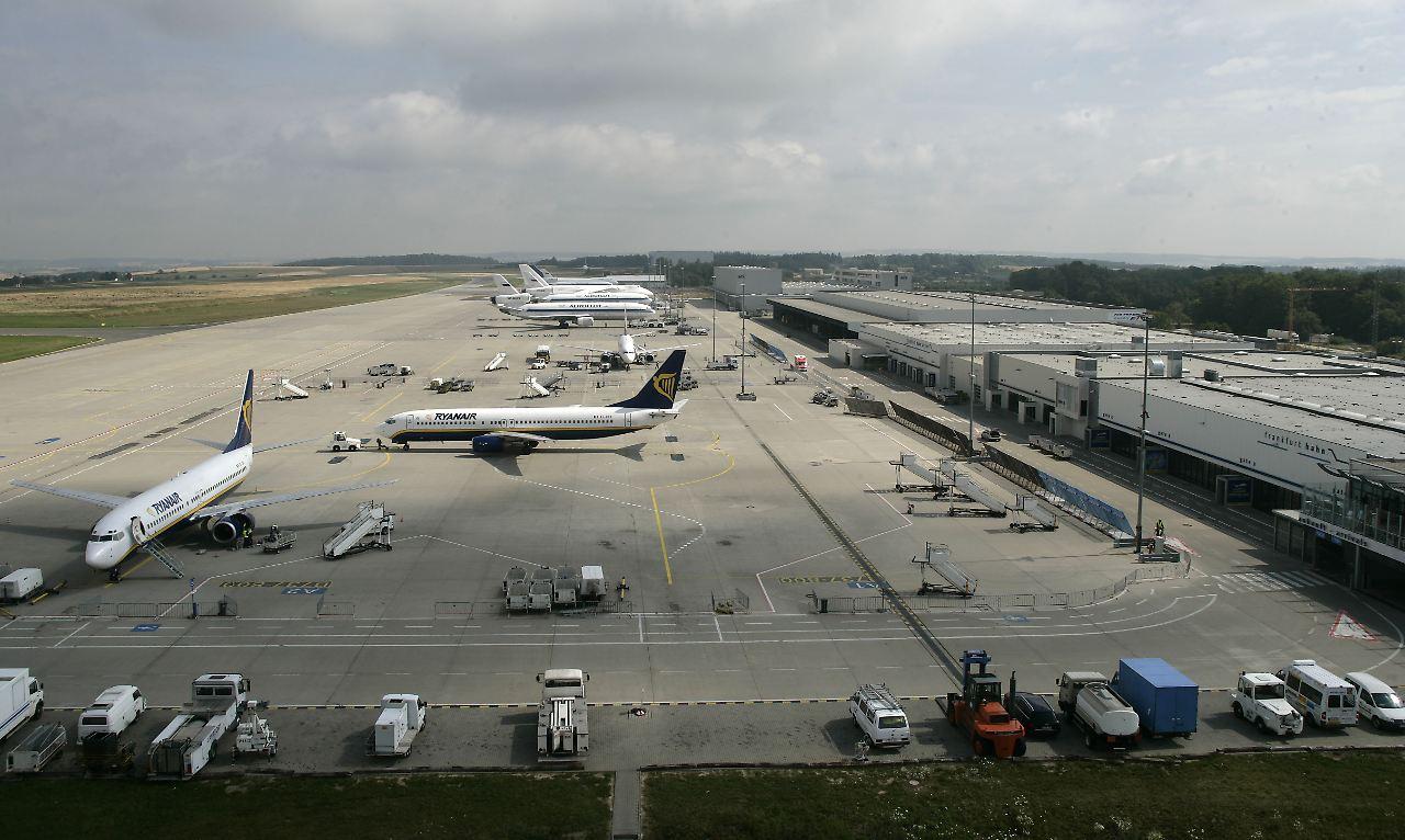 Krise befl gelt holzklasse billigflieger gewinnen an for Boden 25 prozent