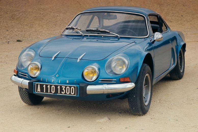 Sportwagen mit Alpine-Signet genießen in Frankreich noch immer einen Ikonenstatus - vergleichbar mit dem Nimbus von Porsche in Deutschland oder Maserati in Italien. Die erste der flachen Flundern mit Polyesterhaut und Renault-Motoren ließ der Rennfahrer ...