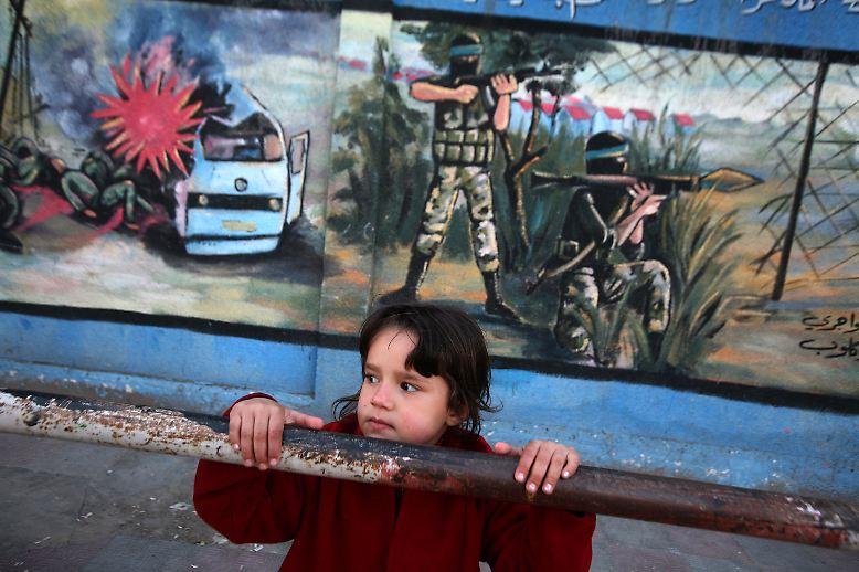 Armut und Angst, Gewalt und Gegengewalt - diese Zutaten speisen auch den jüngsten Konflikt zwischen Palästinensern und Israelis.