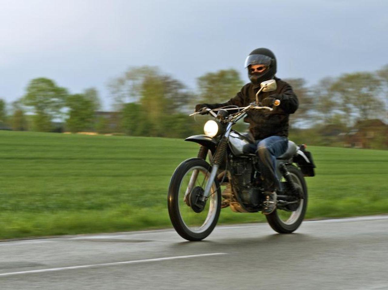 tipps f r den motorrad kauf die richtige maschine finden n. Black Bedroom Furniture Sets. Home Design Ideas