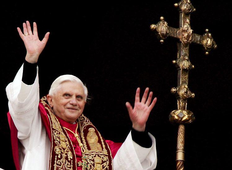 Vielleicht ahnte Joseph Kardinal Ratzinger bereits Unheil, als das Konklave im April 2005 zusammentrat, um einen Nachfolger für den verstorbenen Papst Johannes Paul II. zu bestimmen: