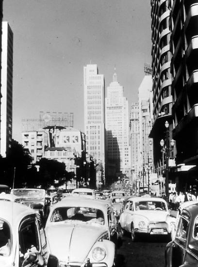 Vor 45 Jahren sonnte sich VW im medialen Scheinwerferlicht von Erfolgsmeldungen aus Amerika, wo der Marktanteil kurz zuvor ein Allzeithoch von sieben Prozent erreicht hatte.