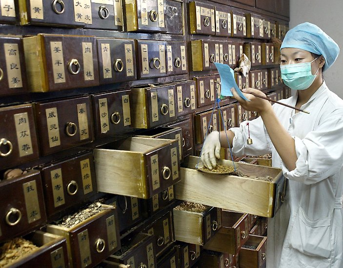 Traditionelle Heilmethoden haben in einigen Regionen der Welt noch immer eine große Bedeutung - wie in China.