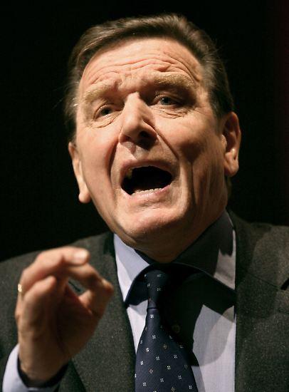 Gerhard Schröder ist für seine eingängigen Botschaften und seine markigen Sprüche bekannt. Einige davon, die unvergessen blieben.