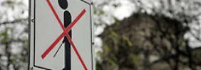 Auch vor dem Reichstag in Deutschland ist öffentliches Pinkeln untersagt.