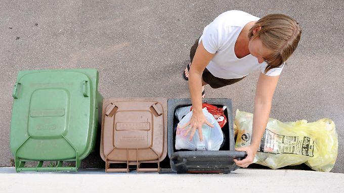 Mülltrennung steht für viele ganz weit oben auf der Liste.