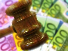 Teures Risiko: Auch mit Prozesskostenhilfe sollte ein Kläger zuvor gut überlegen, ob er einen Prozess gewinnen kann.