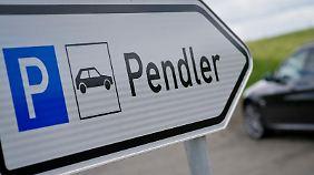 Bahnfahren ist für Pendler meist nervenschonender, als das Auto zu nutzen.