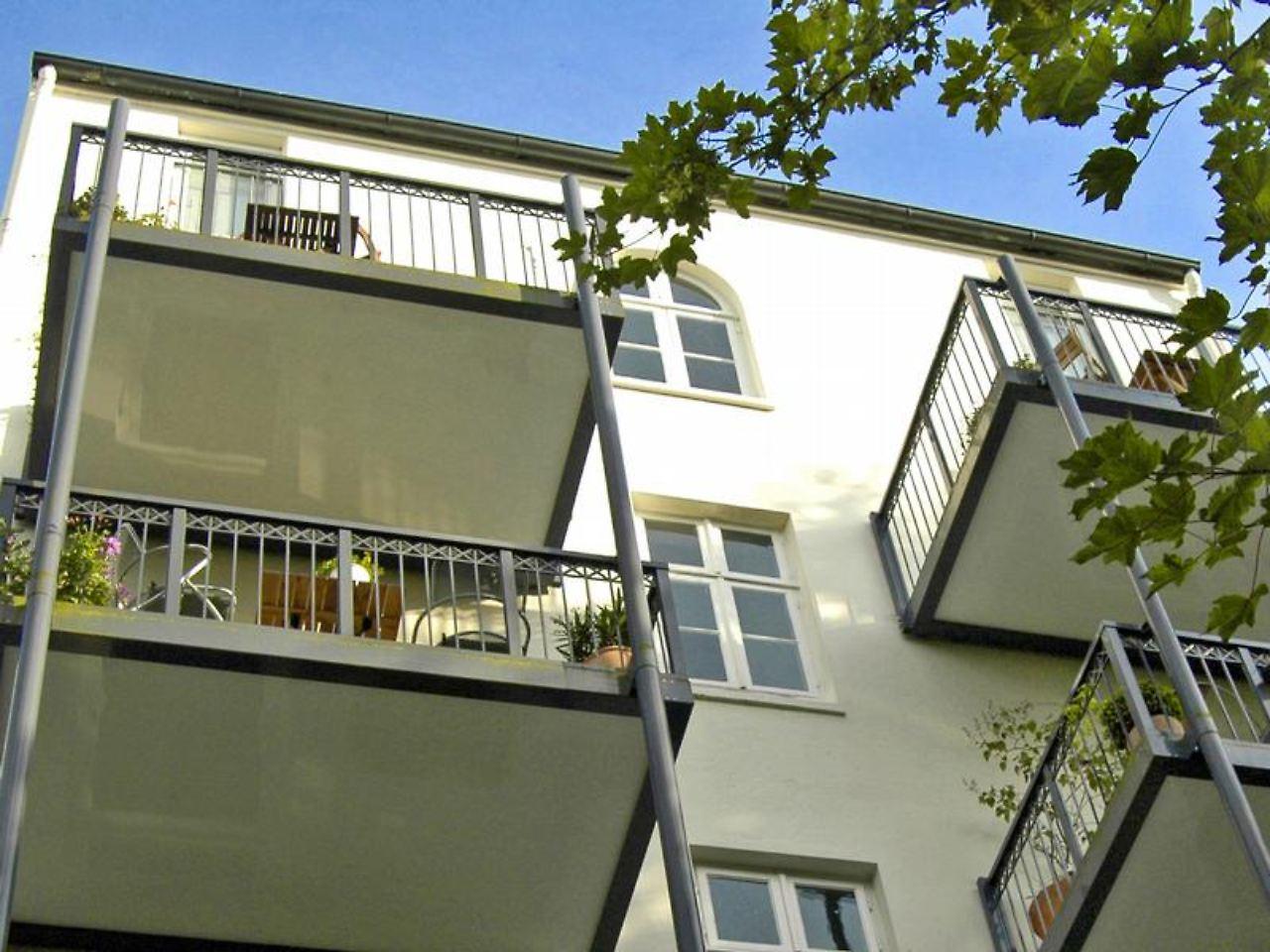 sanierung bei eigentumswohnung mitzahlen f r nachbars balkon n. Black Bedroom Furniture Sets. Home Design Ideas
