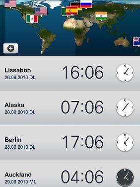 Hübsch: In der Weltuhr werden gespeicherte Städte in einer Satellitenkarte angezeigt.