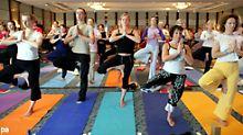 Yoga hilft auch bei nächtlichem Zucken.